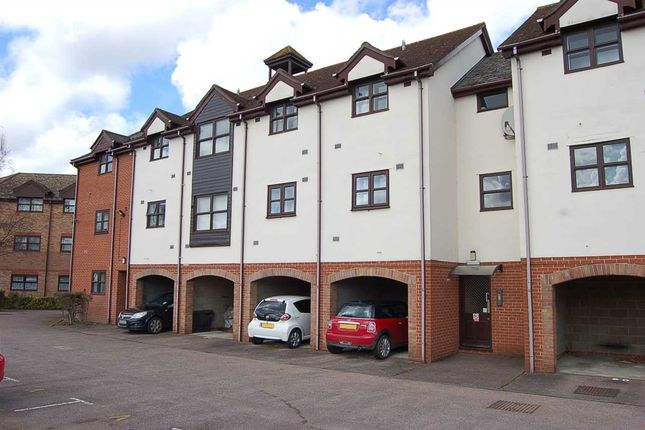 2 bed flat for sale in Hamilton Court, Templemead, Witham CM8