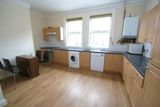 Thumbnail Terraced house to rent in Brudenell Mount, Hyde Park, Leeds