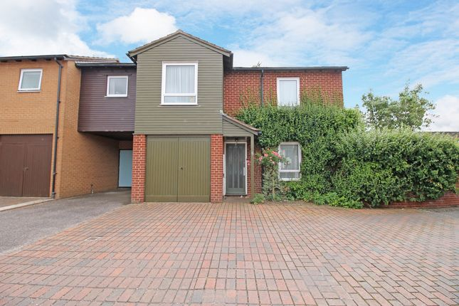 3 bed end terrace house for sale in Pound Close, Topsham, Exeter