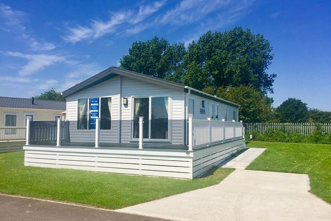 2 bed mobile/park home for sale in Sunny Dale Holiday Park, Saltfleet, Louth, Lincolnshire