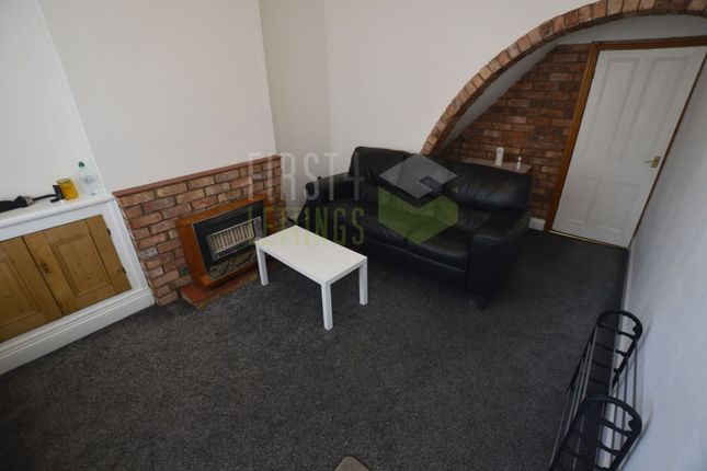 3 bed terraced house to rent in Mantle Road, Leicester LE3