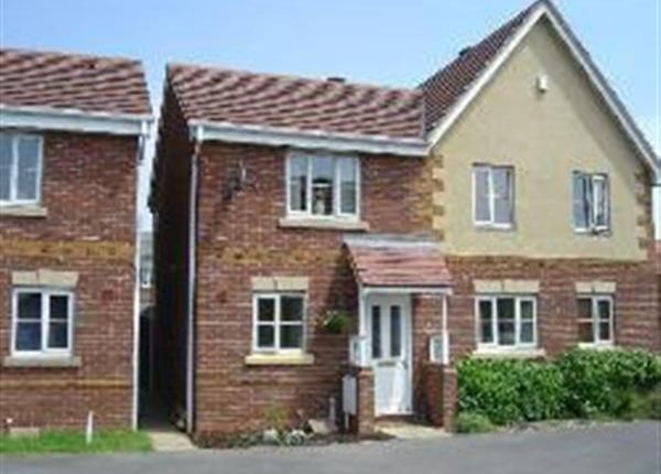 Thumbnail Semi-detached house to rent in Barnetts Lane, Brownhills, Walsall