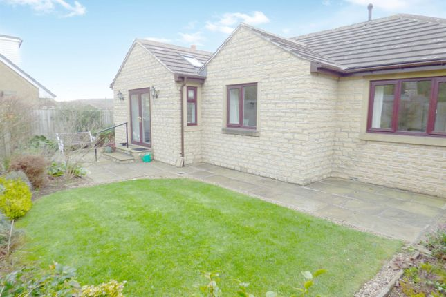 Thumbnail Bungalow to rent in Sherwood Close, Eldwick, Bingley