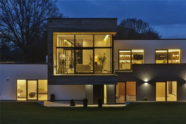 Thumbnail Detached house for sale in Hitcham Lane, Taplow, Maidenhead, Berkshire