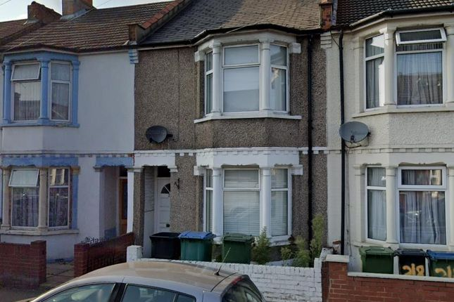 4 bed property to rent in Whippendell Road, Watford WD18