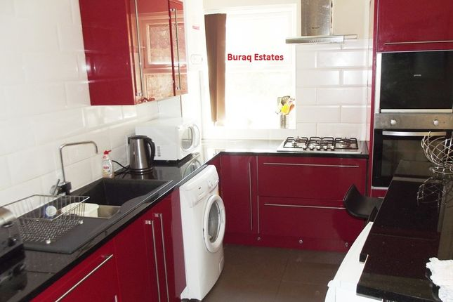 Thumbnail Shared accommodation to rent in Mauldeth Road, Withington, Manchester