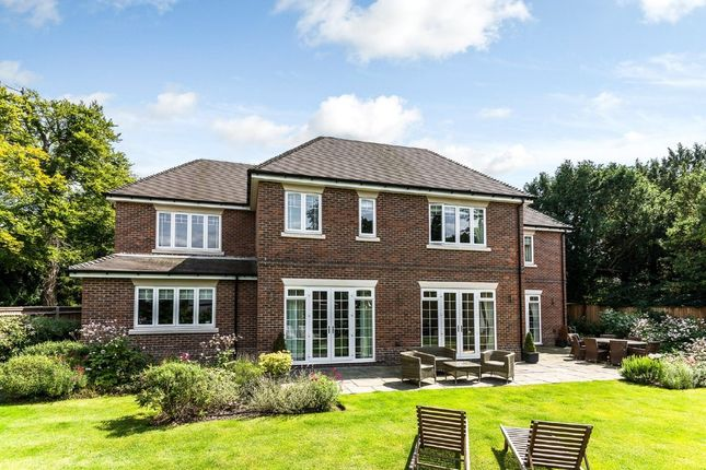 Thumbnail Detached house for sale in Guildford Road, Fetcham, Leatherhead