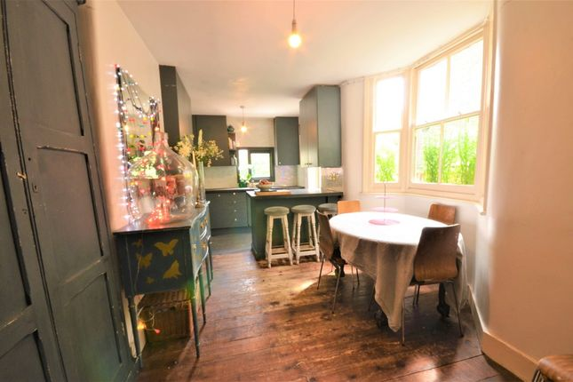 Thumbnail Terraced house for sale in Roding Road, London