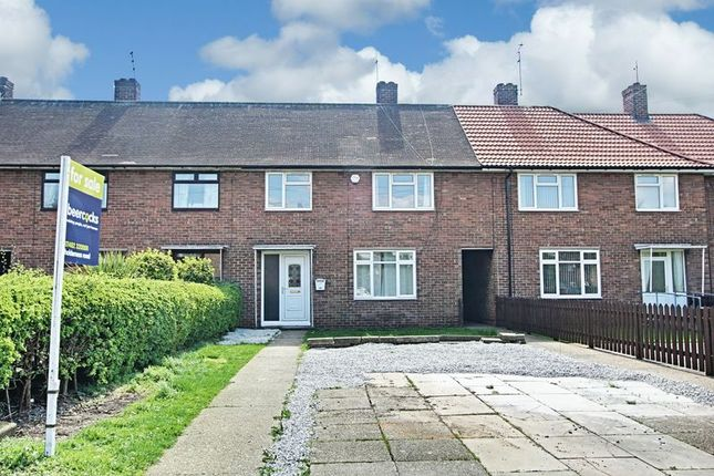 Thumbnail Terraced house for sale in Batley Close, Hull