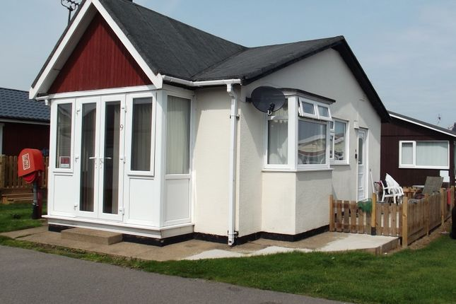 Thumbnail Mobile/park home for sale in 9 Fifth Avenue, South Shore Holiday Village, Bridlington