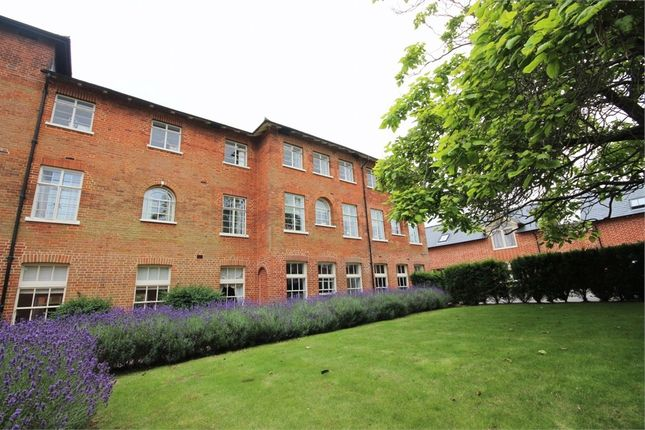 2 bed flat for sale in Old St Michaels Drive, Braintree, Essex