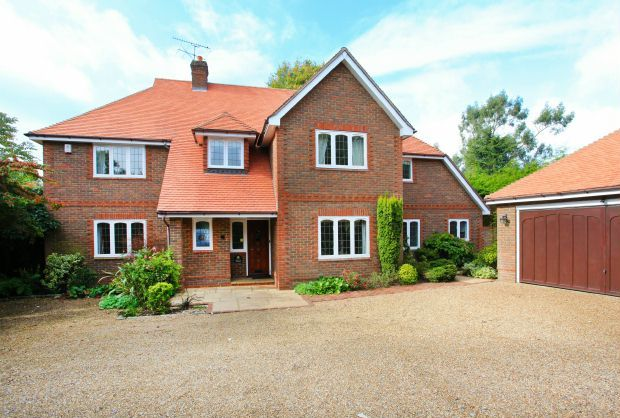 Thumbnail Detached house to rent in Appleton Close, Little Chalfont, Amersham