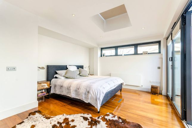 Thumbnail Flat to rent in Upper Richmond Road, Putney
