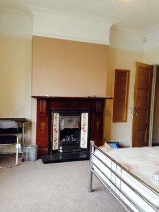 Thumbnail Semi-detached house to rent in Beaconsfield Road, Coventry