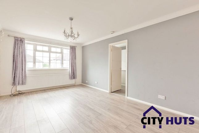 Thumbnail Maisonette to rent in Countess Road, London
