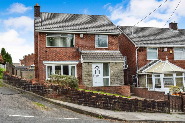 Thumbnail Detached house for sale in Kings Hill, Hengoed