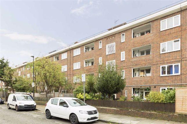 Thumbnail Flat to rent in Canrobert Street, London