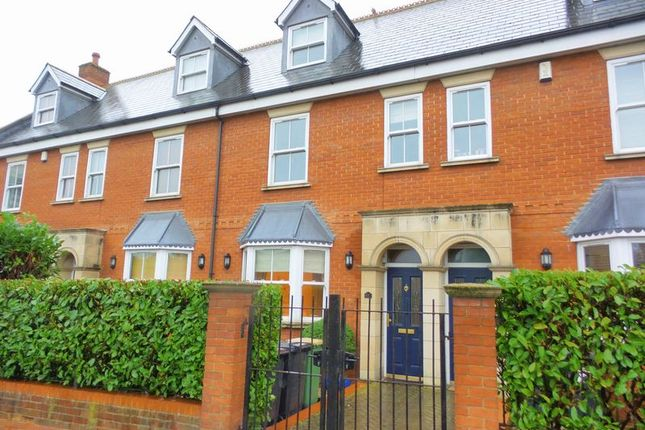 Thumbnail Terraced house for sale in Spa Road, Hockley