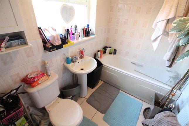 Bathroom of Farringdon Street, Hull HU5