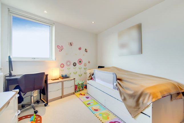 5_Bedroom 2-0 of Dowells Street, London SE10