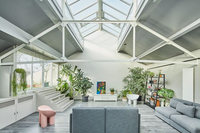 Thumbnail Terraced house for sale in Camden Road, London