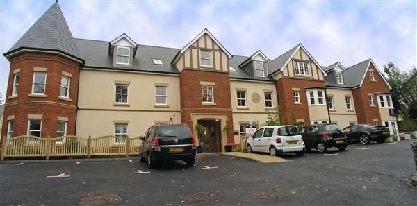 Thumbnail Flat for sale in Cwrt Pegasus, Cardiff Road, Llandaff