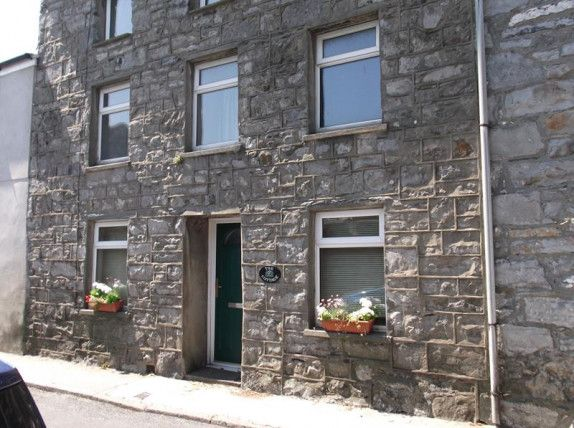 3 bed terraced house to rent in Malew Street, Castletown IM9