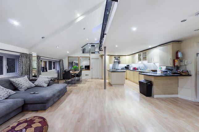 2 bed flat for sale in Barker Gate, Nottingham NG1