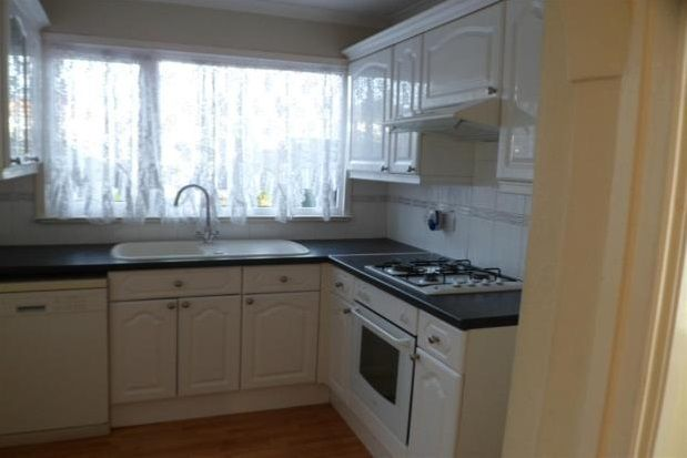 Thumbnail Property to rent in Clinton Avenue, Welling
