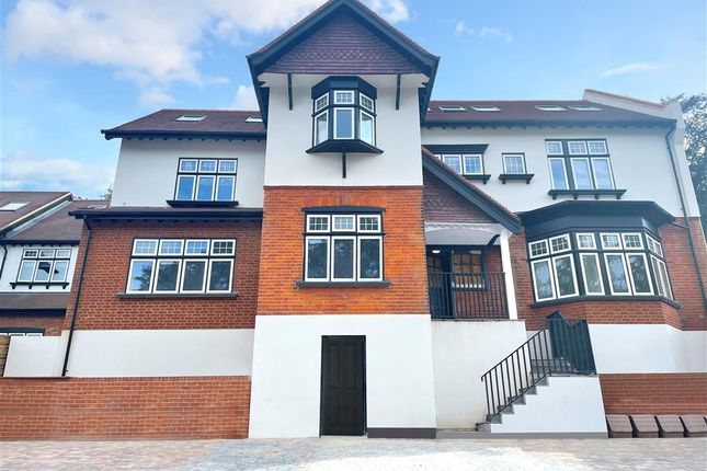 2 bed flat for sale in Woodcote Valley Road, Purley, Surrey CR8