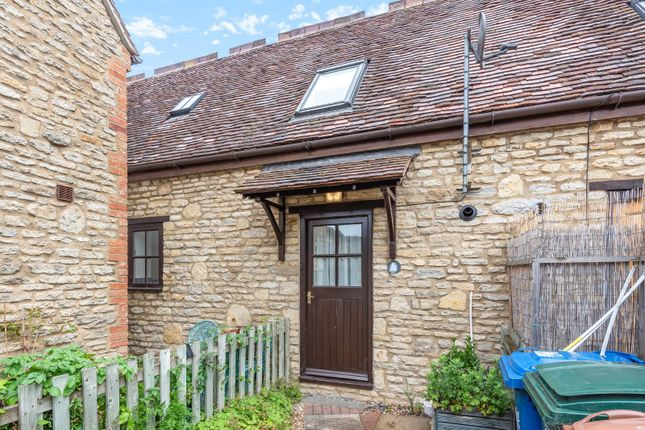 1 bed terraced house to rent in Victoria Road, Bicester OX26