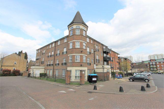 Thumbnail Flat to rent in Gareth Drive, London