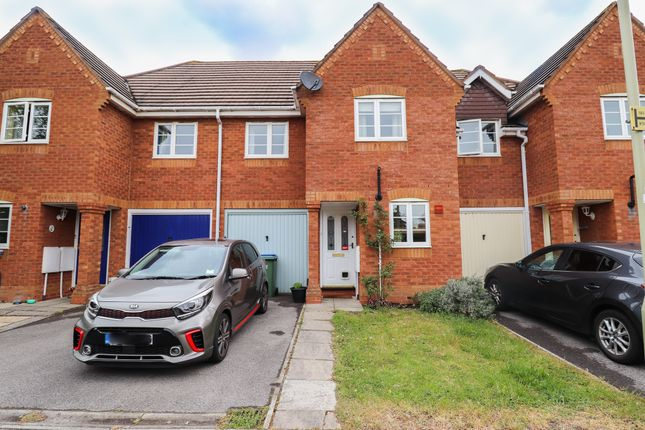 3 bed terraced house to rent in Fen Avenue, Fareham PO16