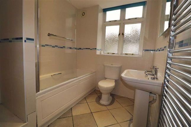 Bathroom of Yr Hen Aelwyd, Aberystwyth, Ceredigion SY23