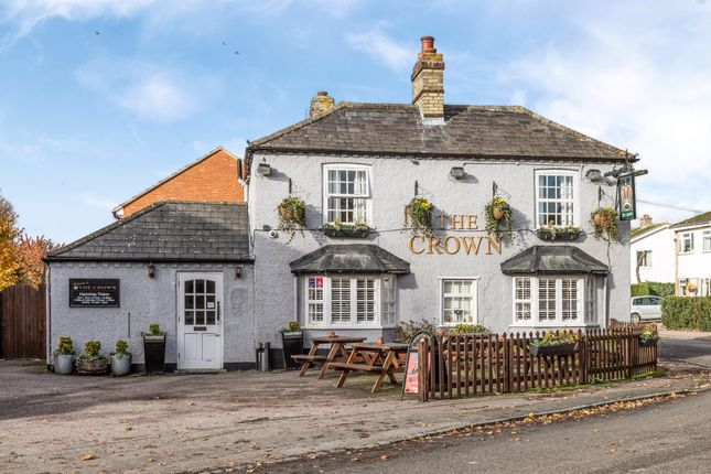 The Crown Pub of The Mixies, Stotfold, Hitchin, Herts SG5
