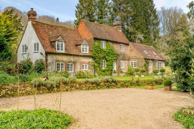 Thumbnail Detached house for sale in Critchmere Hill, Haslemere