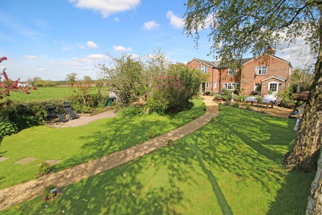 Thumbnail Cottage for sale in Cross Lanes, Oscroft, Tarvin, Chester