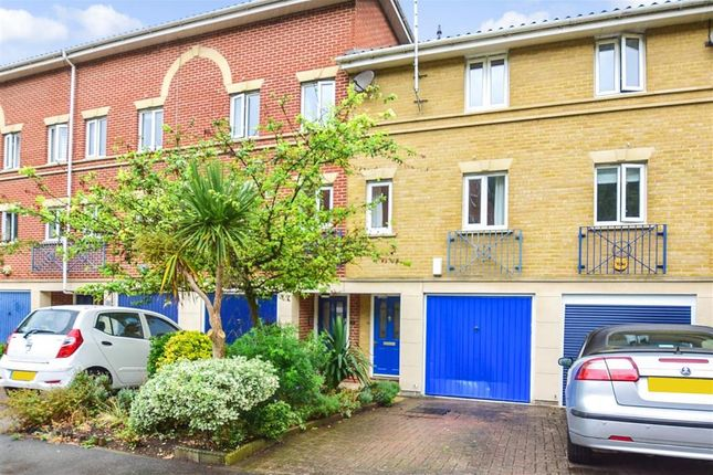Thumbnail Town house for sale in Applecross Close, Rochester, Kent