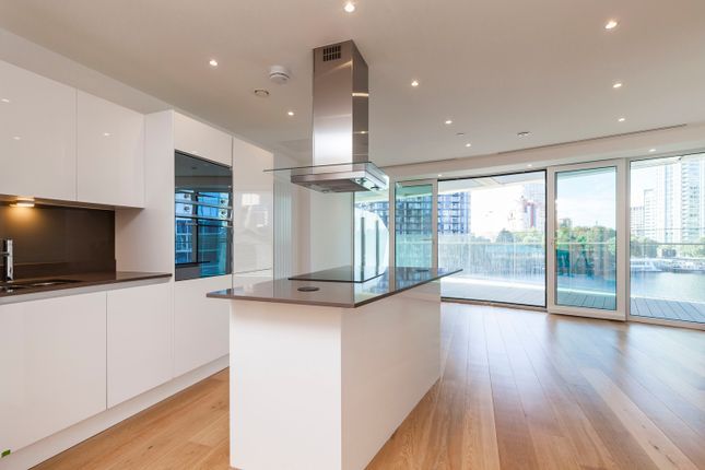 Thumbnail Flat for sale in Baltimore Tower, Baltimore Wharf, 25 Crossharbour Plaza, London