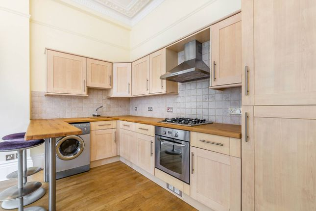 2 bed flat to rent in Elsham Road, Kensington
