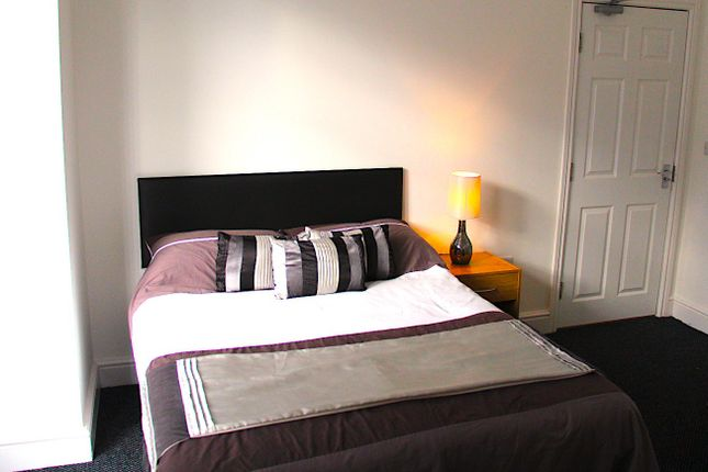 Thumbnail Shared accommodation to rent in Lovely Lane, Warrington, Cheshire