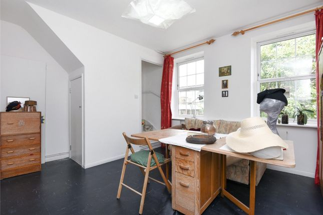 Thumbnail Property for sale in Rollit House, Hornsey Road, Holloway, London