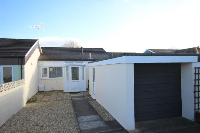 Thumbnail Terraced bungalow to rent in Sycamore Close, Broadclyst, Exeter.