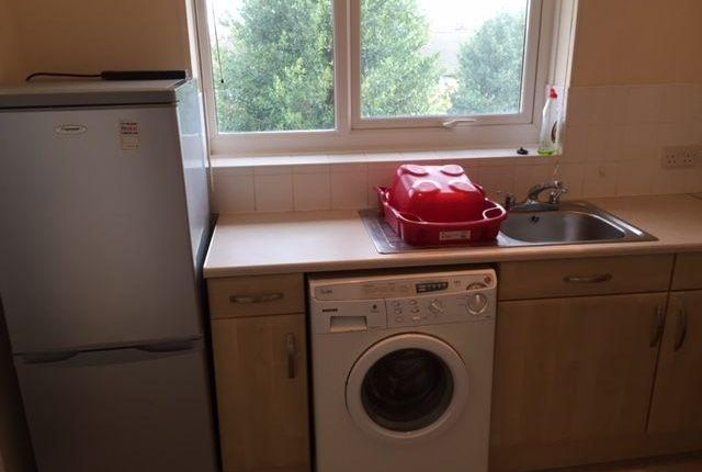 Thumbnail Flat to rent in Spinkhill Avenue, Sheffield