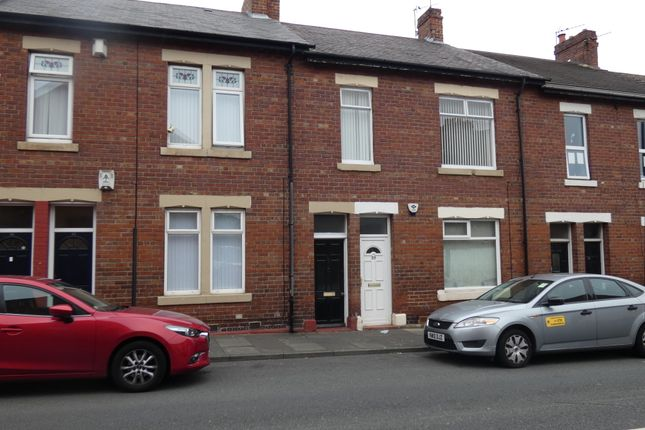 Thumbnail Flat to rent in Norham Road, North Shields, Tyne & Wear
