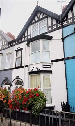 Thumbnail Flat to rent in Alexandra Road, Aberystwyth