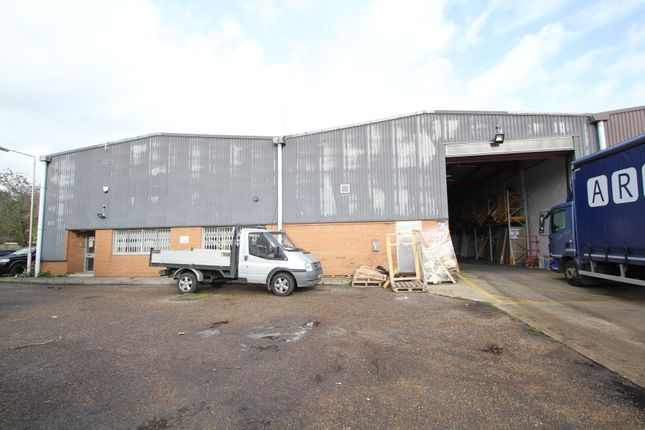 Thumbnail Warehouse to let in Lea Road Industrial Estate, Waltham Abbey