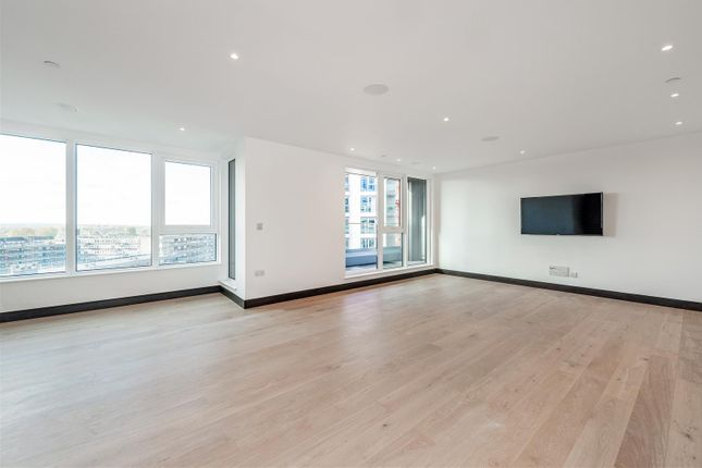 Thumbnail Flat for sale in Marquis House, Sovereign Court, Hammersmith, London