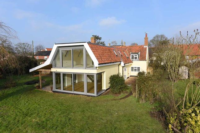 4 bed detached house for sale in The Street, Snape