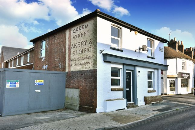 2 Bed Flat For Sale In Queens Parade Queen Street Horsham